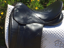Stubben Maestoso Deluxe Dressage Saddle