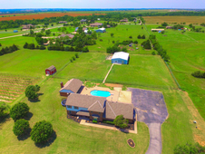4. 75 Acres 3 bed 3 bath home, Pool house, and 4 stall horse barn