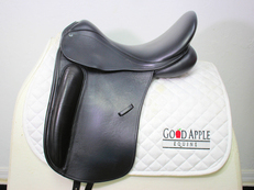 County Perfection Dressage Saddle, 17.5ins Seat, Medium Width Fitting; Ref: 2777-3