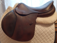 "18.5"" Devoucoux Biarritz Saddle 2012 2AAR"