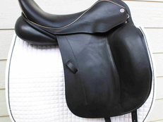 "18"" Dresch monoflap dressage saddle"