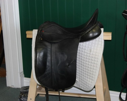 SOLD!! - Albion SLK Dressage Saddle 17.5