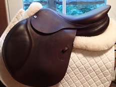 "NEARLY NEW 17.5"" CWD Saddle - ridden in 3 times max. 2016 3C"