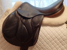 "17.5"" Devoucoux Chiberta Full Buffalo Monoflap Saddle 2005"