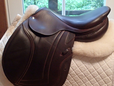 "Beautiful 17. 5"" CWD Full Calfskin Saddle 2010 4L"