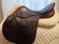 "17"" Prestige Jumper R Full Calfskin Saddle 2006"