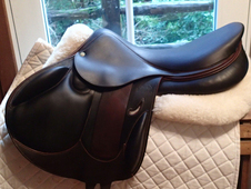 "Stunning 18"" Devoucoux Ioldy Monoflap Full Buffalo Saddle with D3..."